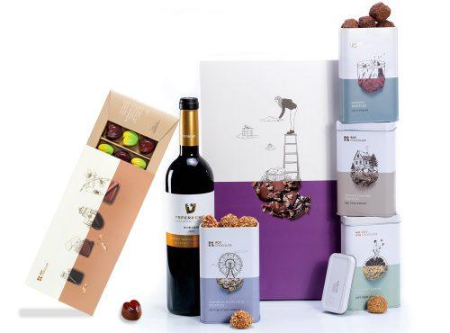 מארז שוקולד עם יין ופרלינים במילוי