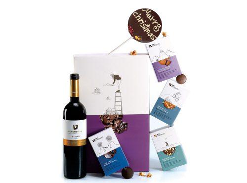 מארז שוקולד עם יין ושוקולד על מקל לכריסמס